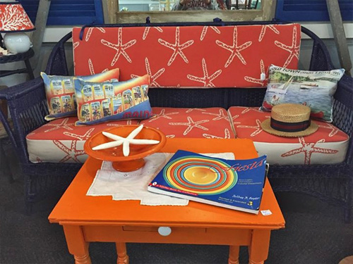 Wicker sofa starfish print
